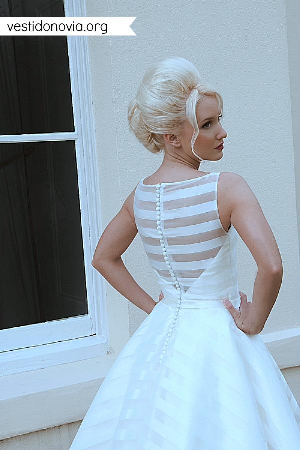 Vestido de novia corto de organza