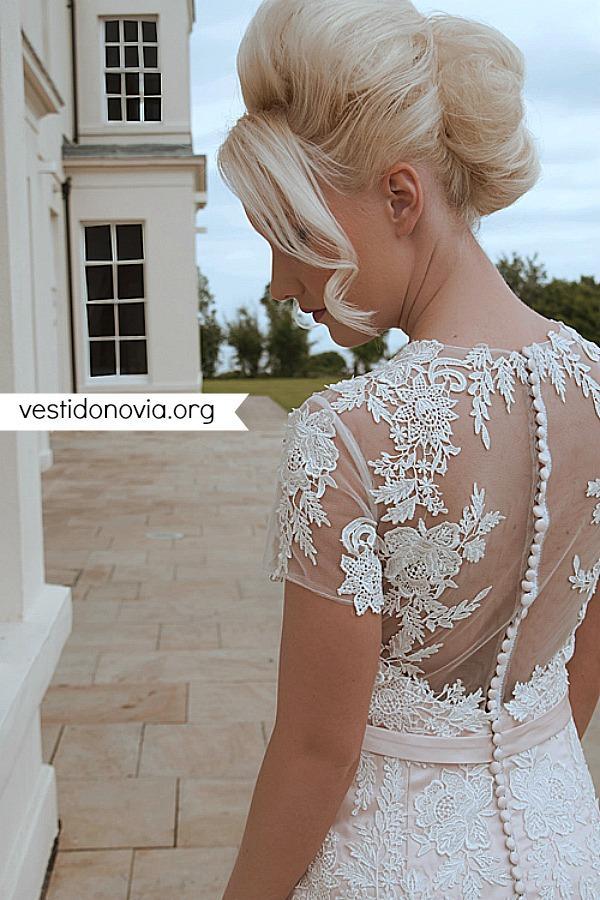 Vestido de novia largo con cola de sirena